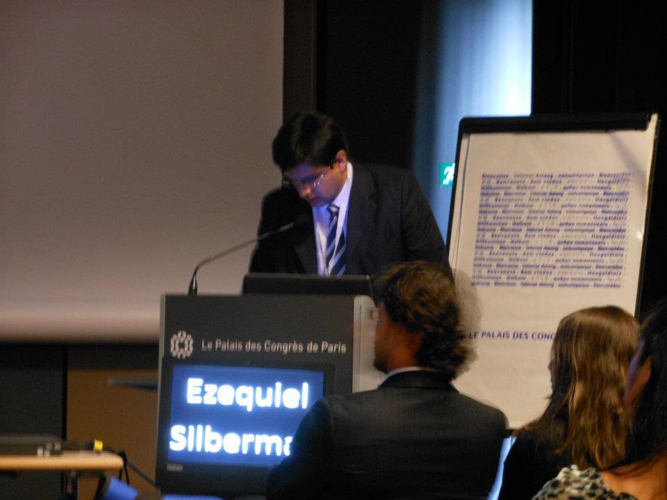 Dr Silberman presentando en el congreso mundial de Paris 2013