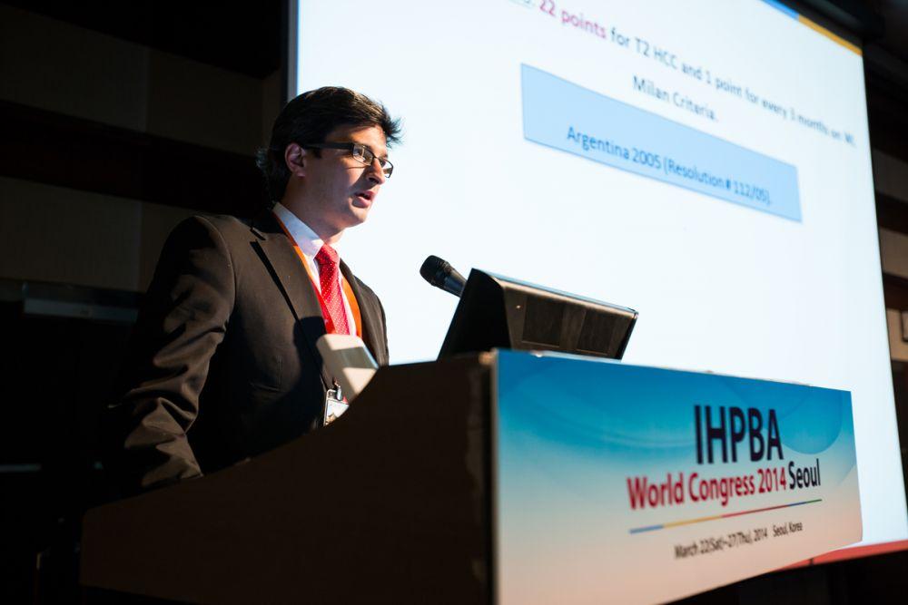 Dr Marcos Garcia presentando en el congreso mundial Korea 2014